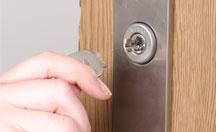 玄関の鍵抜きでの家・建物の鍵トラブル